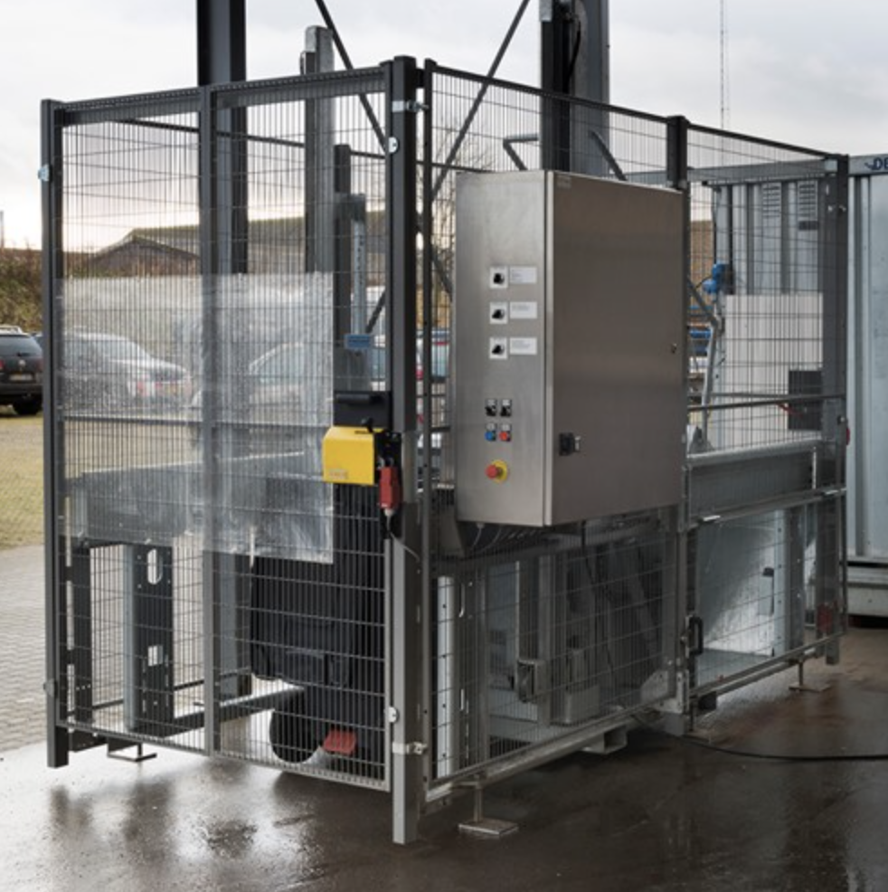 Collaboration makes dustbin washer a success